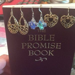 3 sets of hanging earrings